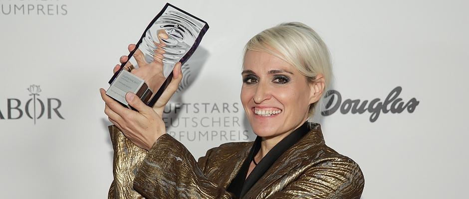 DUFTSTARS 2017 – Persönlichkeitspreis für Mathilde Laurent